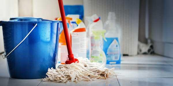 SchoneVloeren.nl helpt bij het zelf schoonmaken van uw vloer
