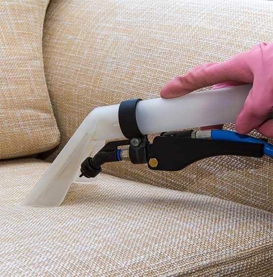 stoelen en meubels laten reinigen door SchoneVloeren.nl