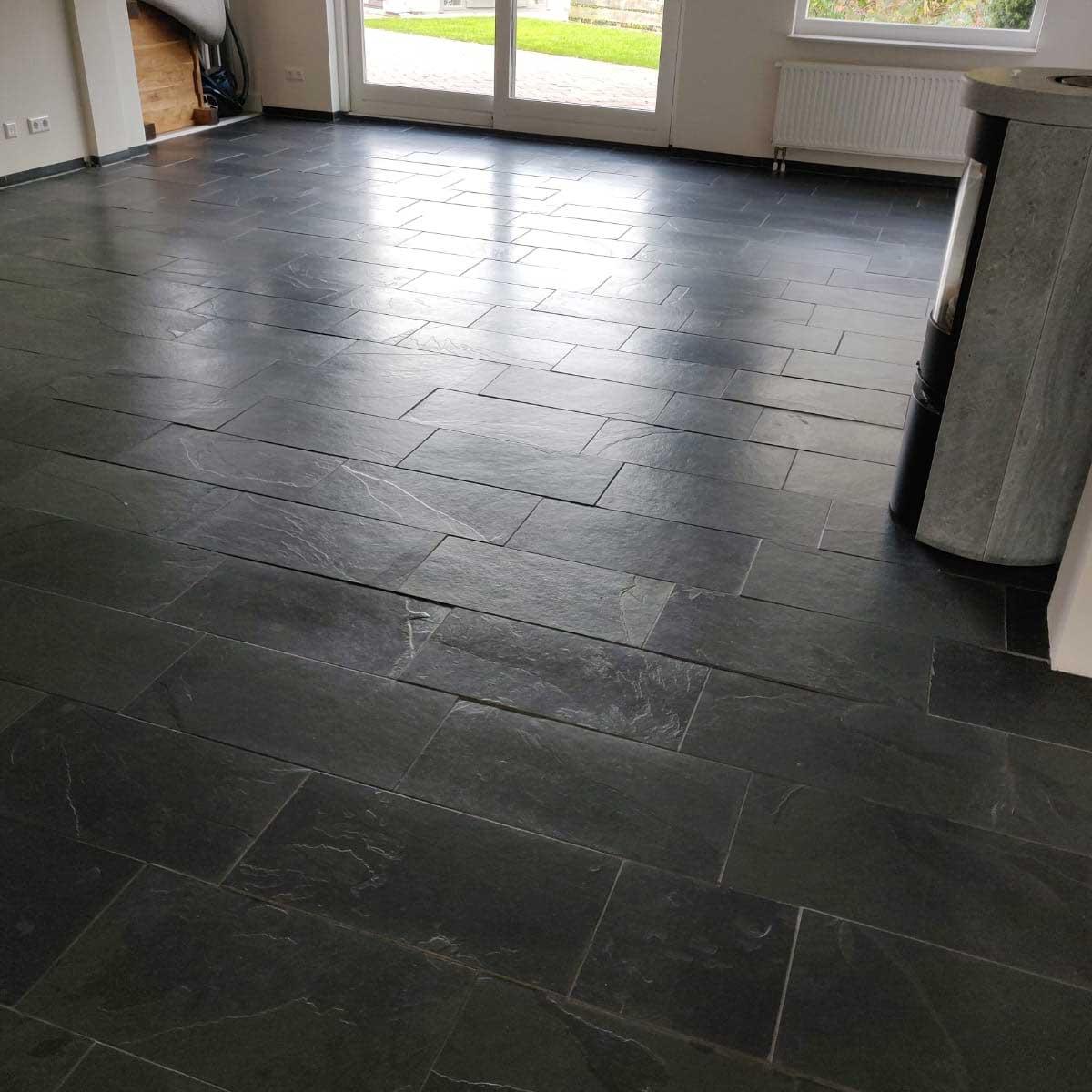 Project leisteen vloer reinigen en impregneren in Noord-Scharwoude