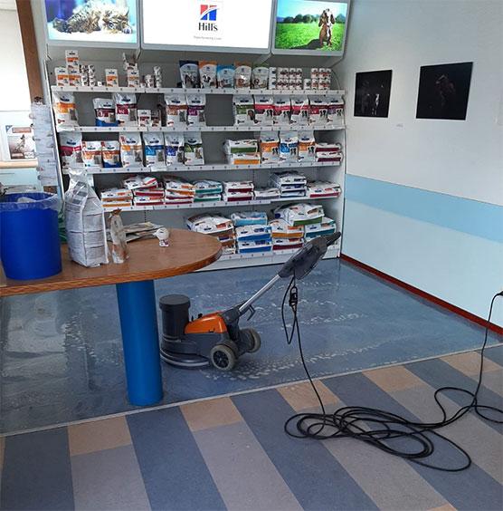 werkzaamheden schonevloeren.nl behandelen en onderhouden vloeren