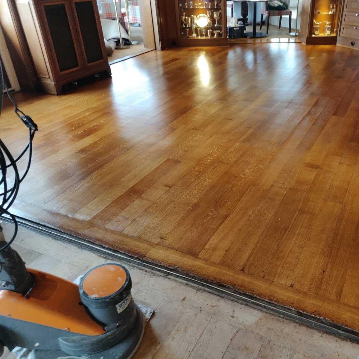 Recent werk reinigen en olien houten vloer in Zandvoort