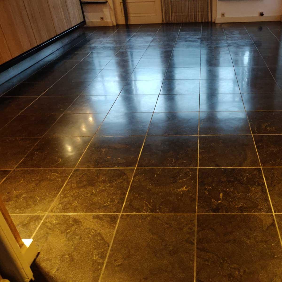 SchoneVloeren.nl Project Culemborg reinigen slijpen en impregneren Belgisch hardsteen vloer